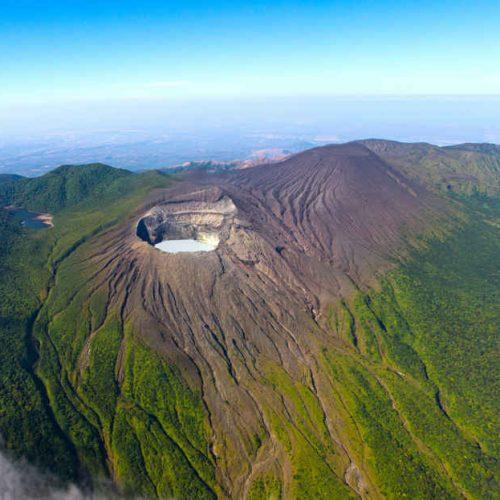 Rincon_de_la_Vieja_crater