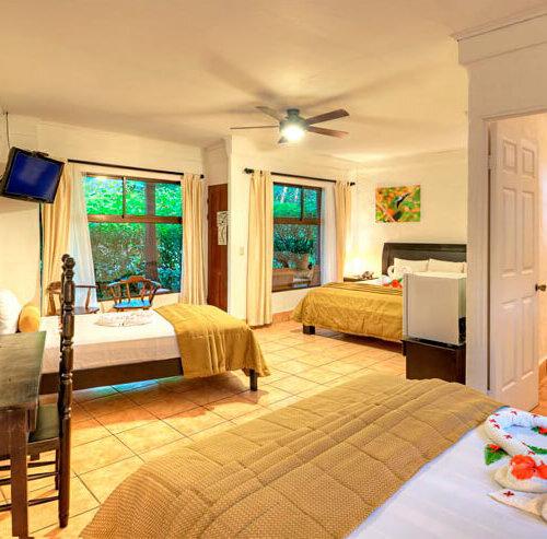 hacienda_guachipelin_family_room