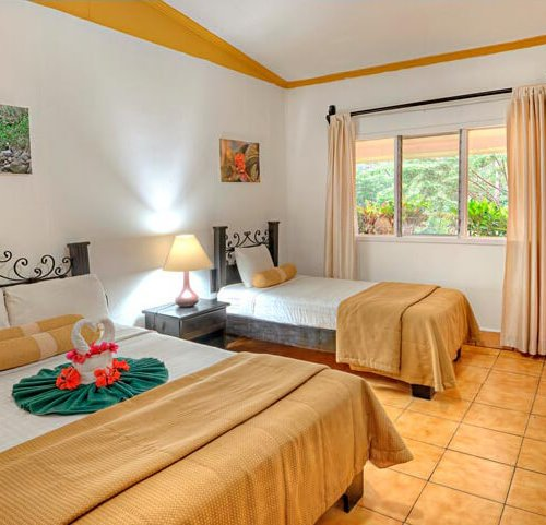 hacienda_guachipelin_standard_room